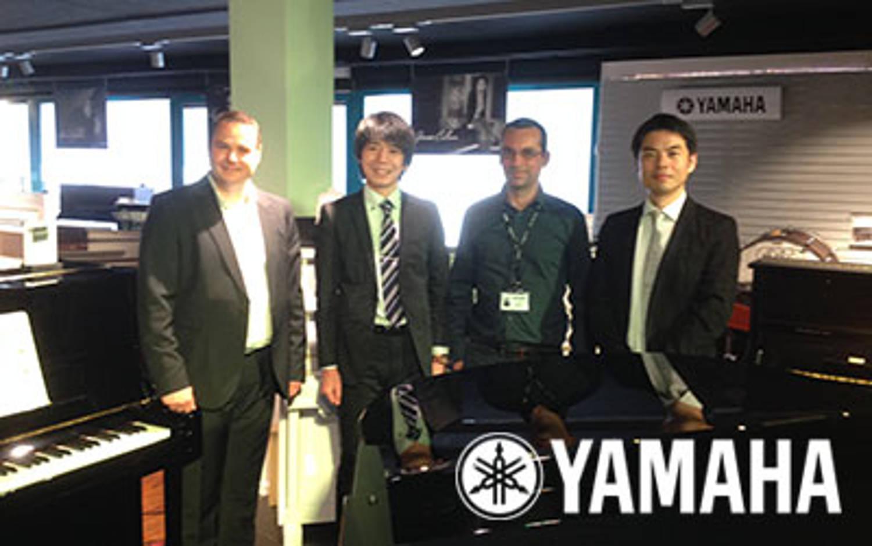 Le team Yamaha Pianos en visite chez Boullard Musique