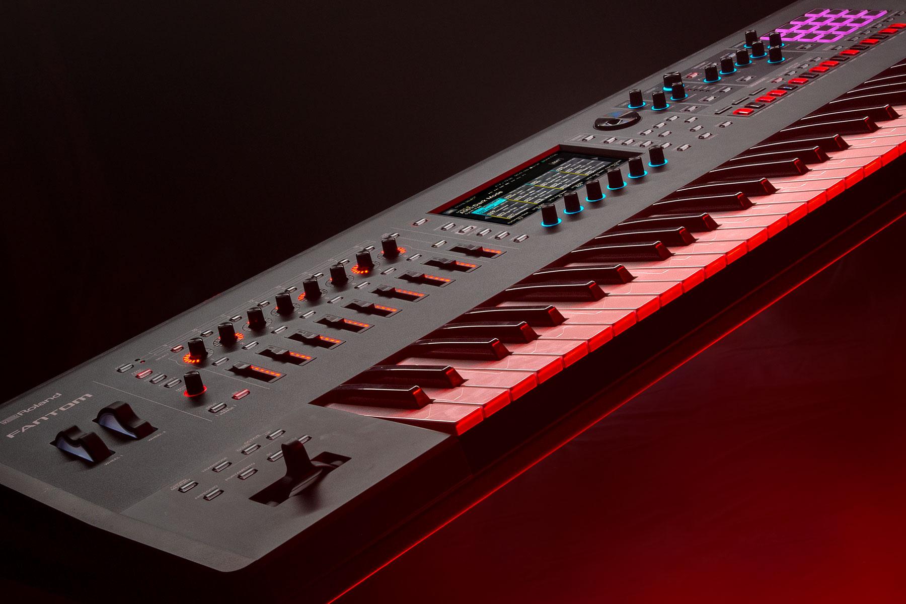 Découvrez le nouveau synthétiseur Roland Fantom 8
