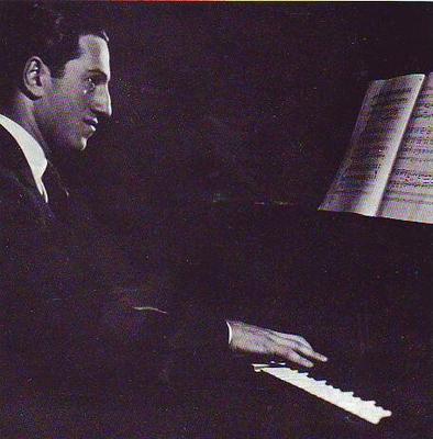 Meet George Gershwin at the keyboard / Gershwin George / Warner Chappell