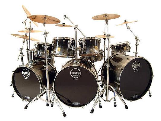 GMS Backline USA S.E. Black Silver & Blue Bass Drum 20»x18» tom 10»x8» et 12»x9» Floor Tom 14»x14» + Snare Capelle 14»x4» + Cymbales + tabouret