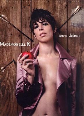 Jouer dehors / Mademoiselle K / Bookmakers International