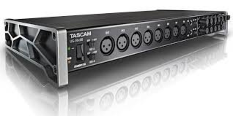 Tascam US-16×08 16 in / 8 out midi usb 2.0