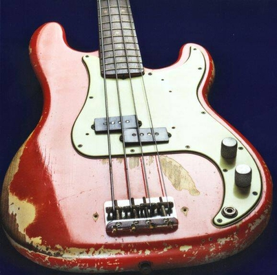 Music Sales Bass Guitar Greeting Card – Worn Red – pack 6 pièces