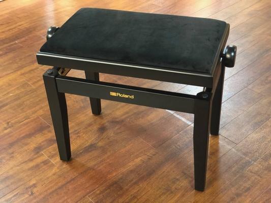 Roland RPB-220BK  banquette piano simple, noir mat, velours noir