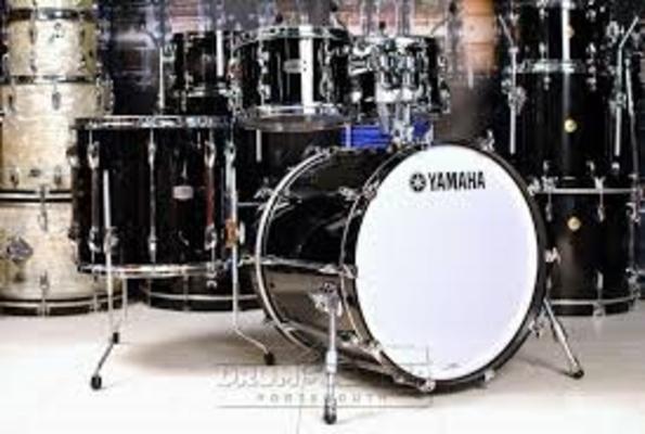 Yamaha Percussions Set Recording Custom Solid Black DB22»x16» Tom 10»,12» floor Tom 14» et 16»