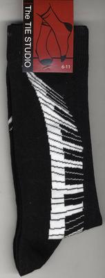Music Sales Keyboard Swirl Socks – Black (Size 6-11)     Textile